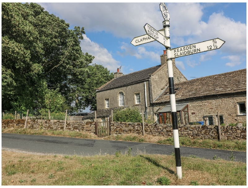 North Yorkshire Cottage Holidays - Click here for more about Wenning Bank