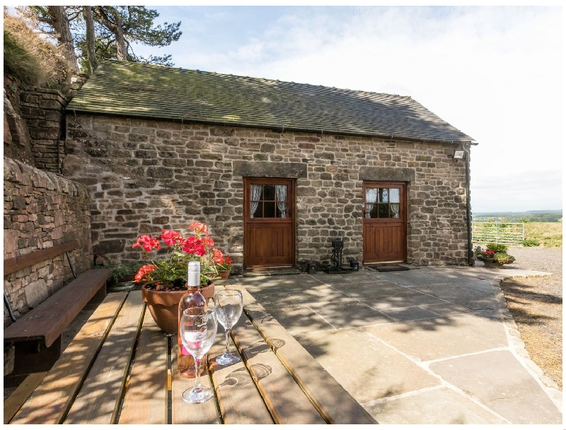 Derbyshire Cottage Holidays - Click here for more about Blakelow Barn