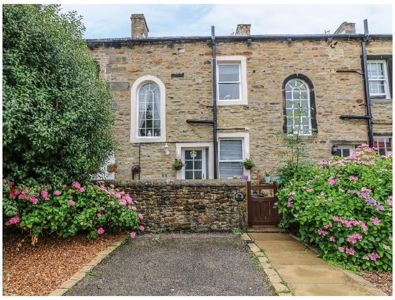 Yorkshire Cottage Holidays - Click here for more about Daisy's Holiday Cottage