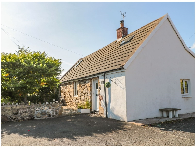 Northumberland Cottage Holidays - Click here for more about Lindisfarne Cottage