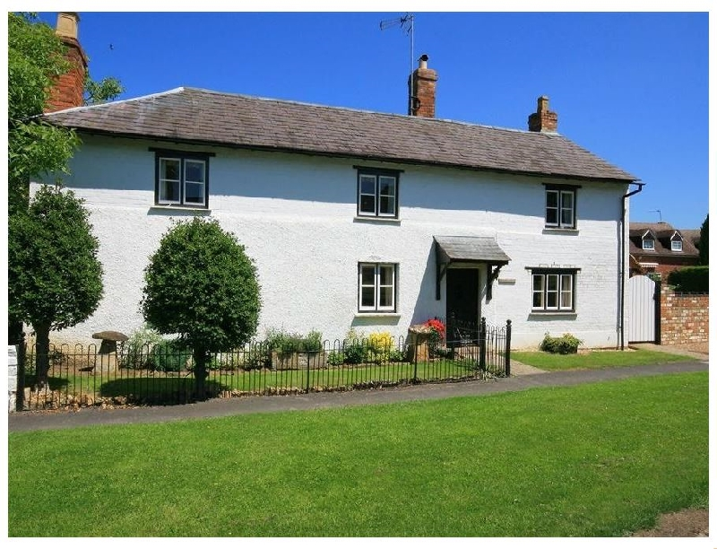 Warwickshire Cottage Holidays - Click here for more about Elmhurst Cottage