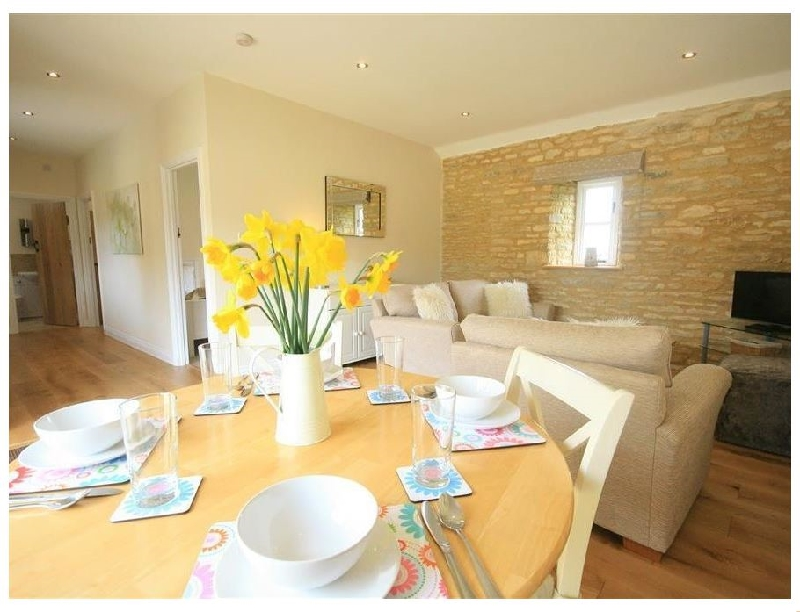 Oxfordshire Cottage Holidays - Click here for more about Ewecub Barn