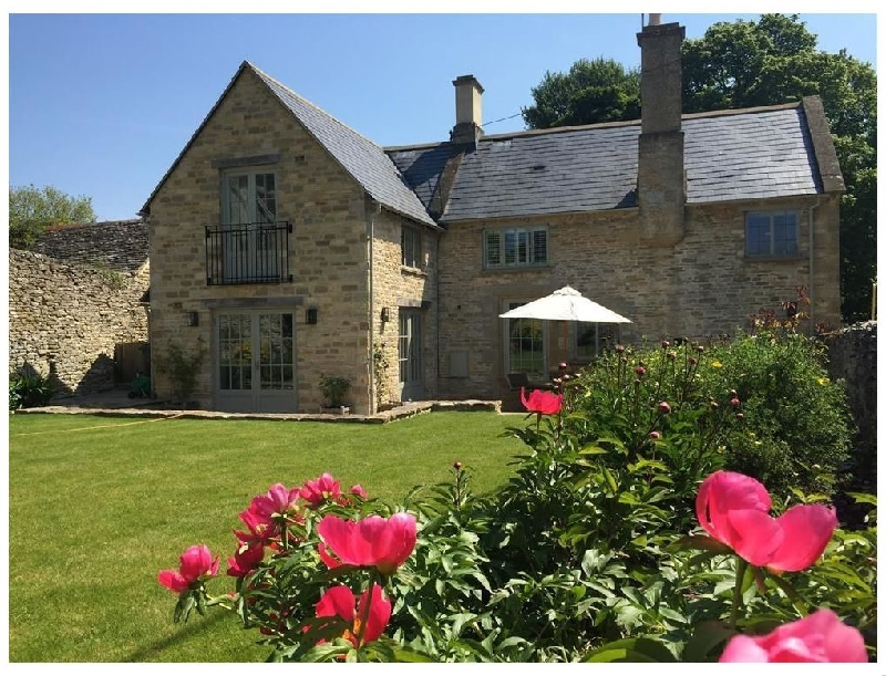 Oxfordshire Cottage Holidays - Click here for more about Hillside Cottage