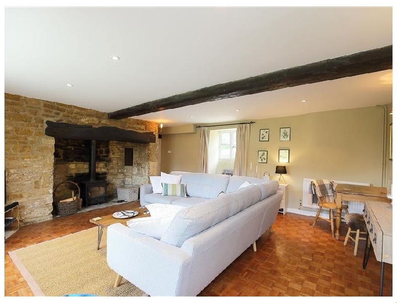 Warwickshire Cottage Holidays - Click here for more about Home Farm Cottage