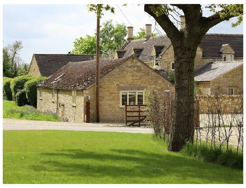 Warwickshire Cottage Holidays - Click here for more about Kite Barn