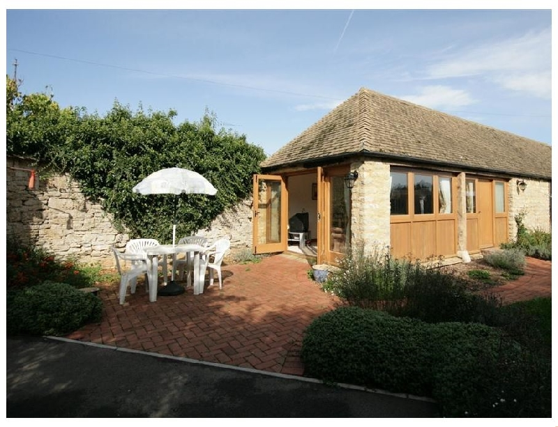 Oxfordshire Cottage Holidays - Click here for more about Laughtons Retreat