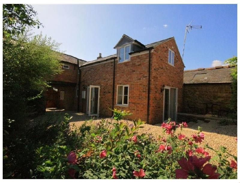 Warwickshire Cottage Holidays - Click here for more about Lavender Cottage- Brailes