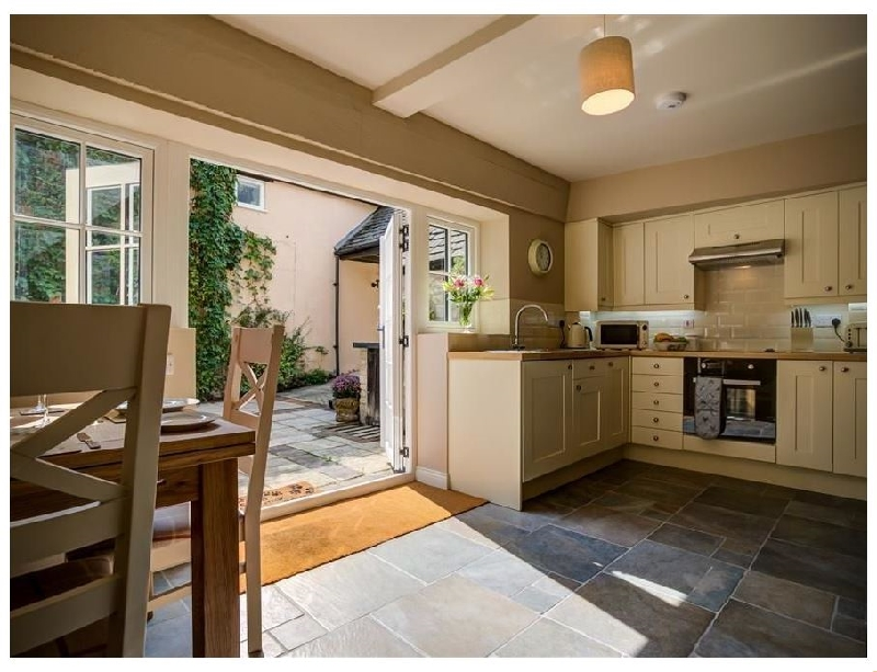 Oxfordshire Cottage Holidays - Click here for more about Mill Race