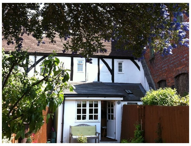 Wiltshire Cottage Holidays - Click here for more about Thimble Cottage
