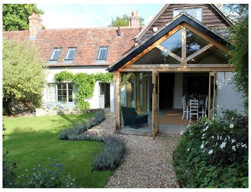 Wiltshire Cottage Holidays - Click here for more about Kings Cottage - South