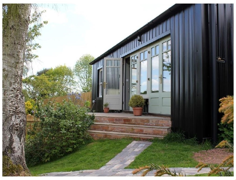 Gloucestershire Cottage Holidays - Click here for more about The Tin Barn