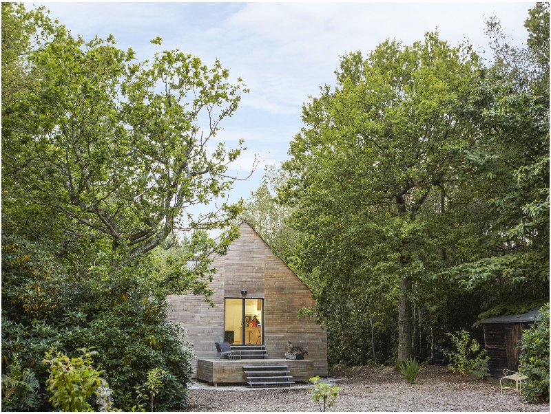 East Sussex Cottage Holidays - Click here for more about Boxwood Retreat