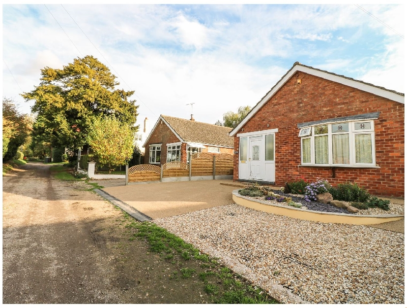 Lincolnshire Cottage Holidays - Click here for more about Starfield