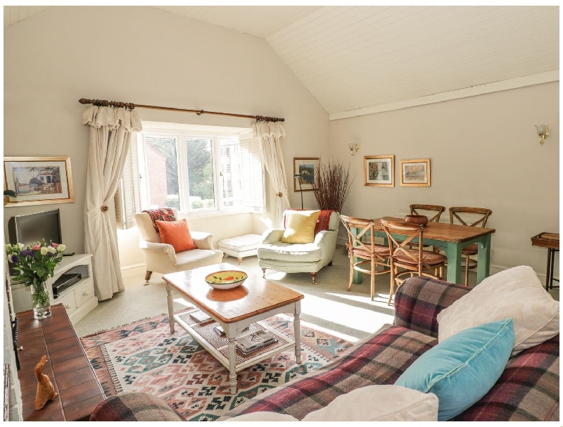 Warwickshire Cottage Holidays - Click here for more about Bancroft Place