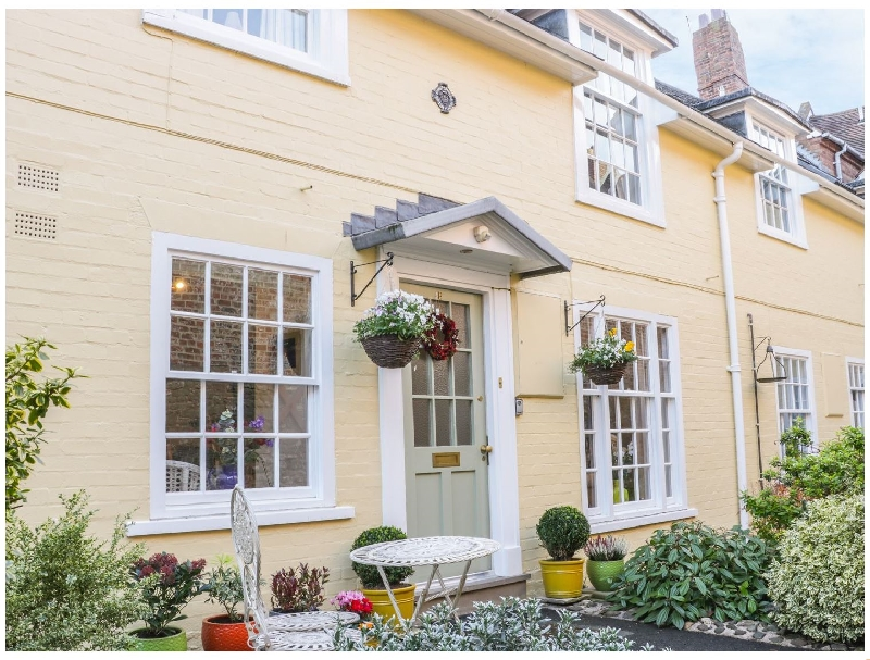 Shropshire Cottage Holidays - Click here for more about 138E Old Star & Garter Mews