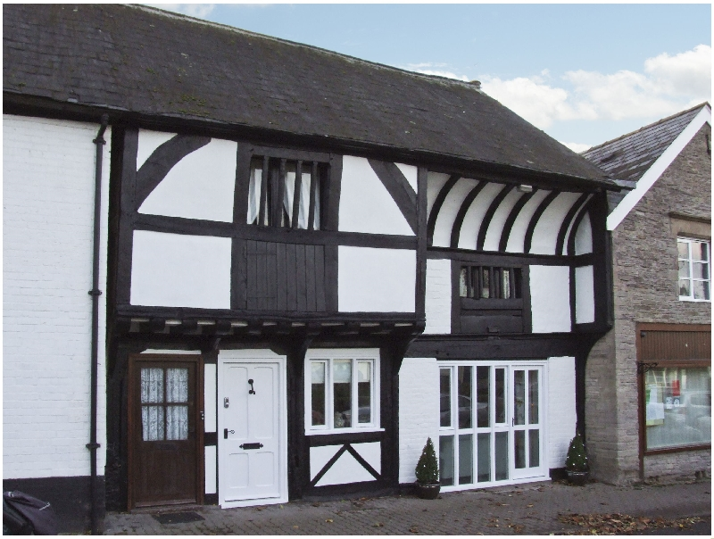 Herefordshire Cottage Holidays - Click here for more about The Queen's Truss