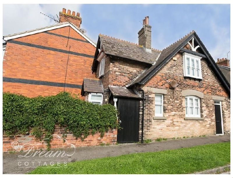 English Cottage Holidays - The Coachman's House
