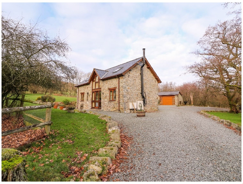 Powys Cottage Holidays - Click here for more about The Carnau Lodgings