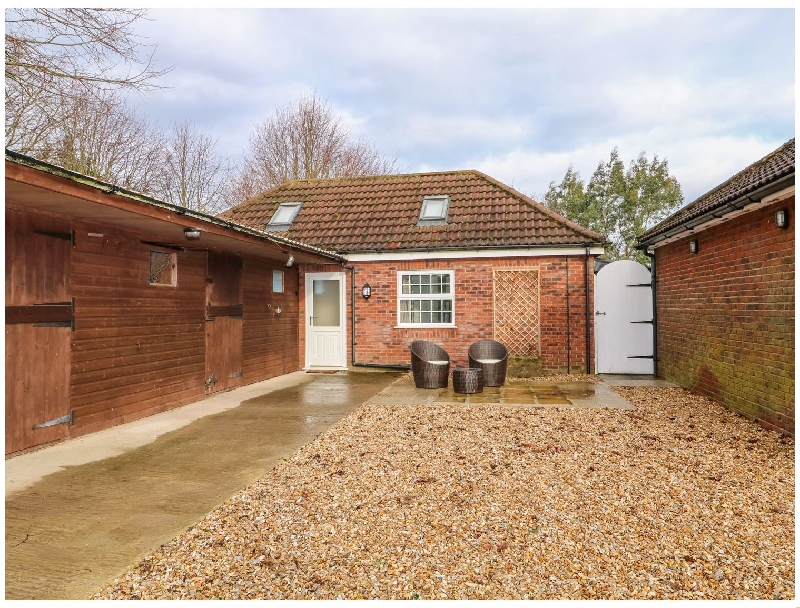 Lincolnshire Cottage Holidays - Click here for more about Stable End Cottage