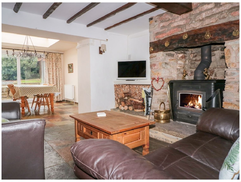 Gloucestershire Cottage Holidays - Click here for more about Twixt Cottage