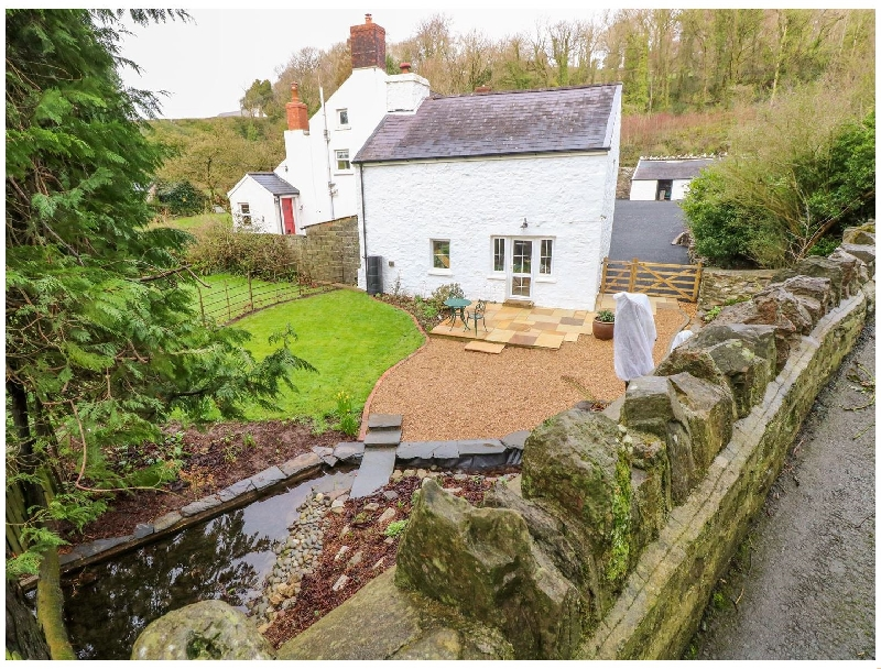 Click here for more about King Gaddle Cottage