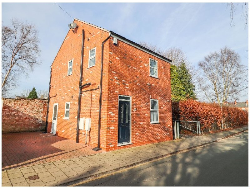 Cheshire Cottage Holidays - Click here for more about Canal View Cottage