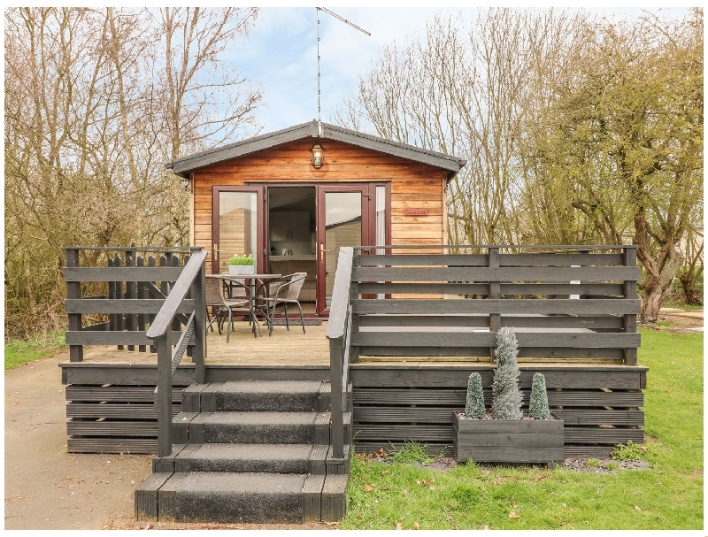 Lincolnshire Cottage Holidays - Click here for more about Cedar Lodge