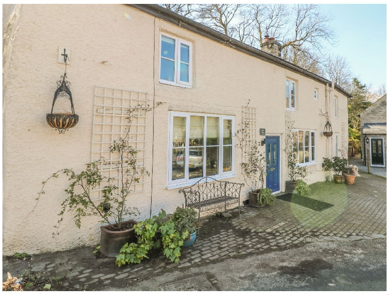 Derbyshire Cottage Holidays - Click here for more about Little Bargate