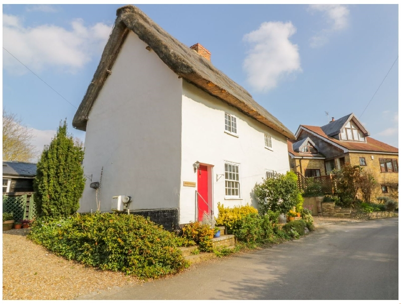 Hertfordshire Cottage Holidays - Click here for more about Mulberry Tree Cottage