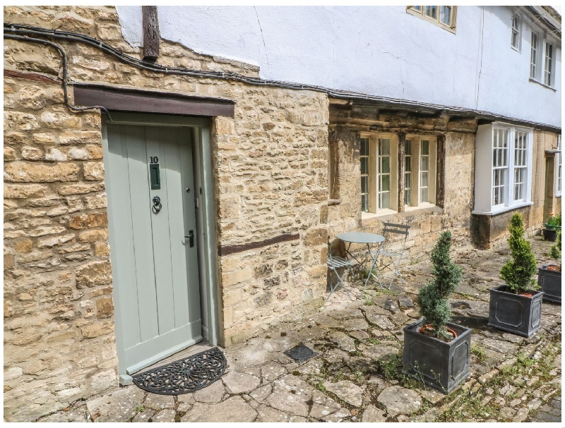 Oxfordshire Cottage Holidays - Click here for more about 10 George Yard
