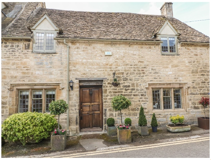 Oxfordshire Cottage Holidays - Click here for more about Bull Cottage