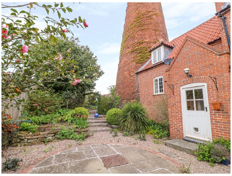 Nottinghamshire Cottage Holidays - Click here for more about The Windmill