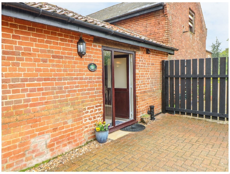 Norfolk Cottage Holidays - Click here for more about The Hen House