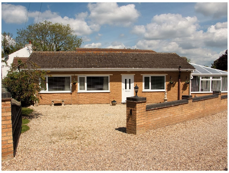 Lincolnshire Cottage Holidays - Click here for more about Long Acres