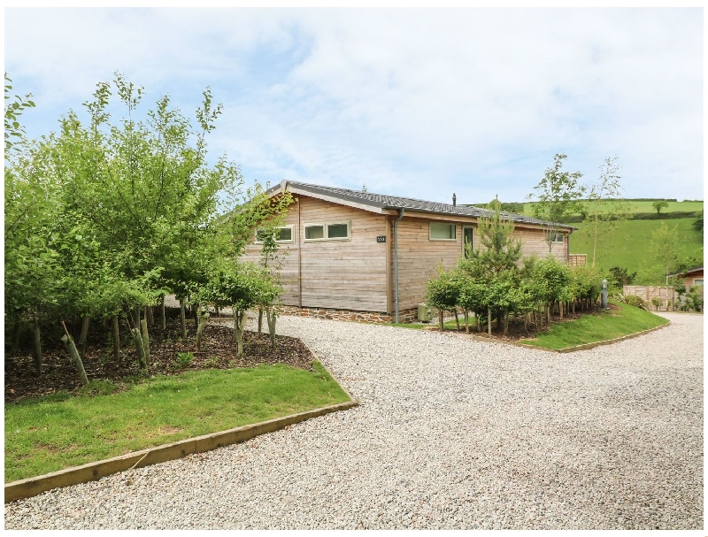 Cornwall Cottage Holidays - Click here for more about 3 Valley View