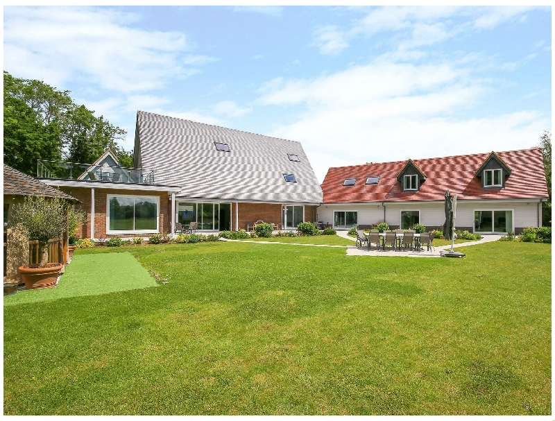 Oxfordshire Cottage Holidays - Click here for more about Frilford Grange