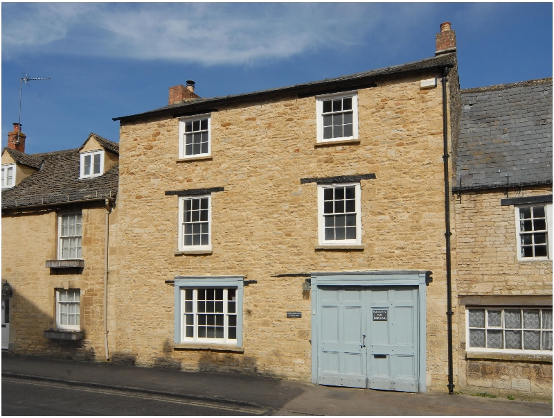 Oxfordshire Cottage Holidays - Click here for more about White Hart House