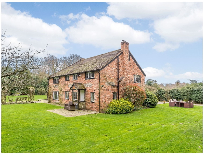 Oxfordshire Cottage Holidays - Click here for more about Highmoor Croft