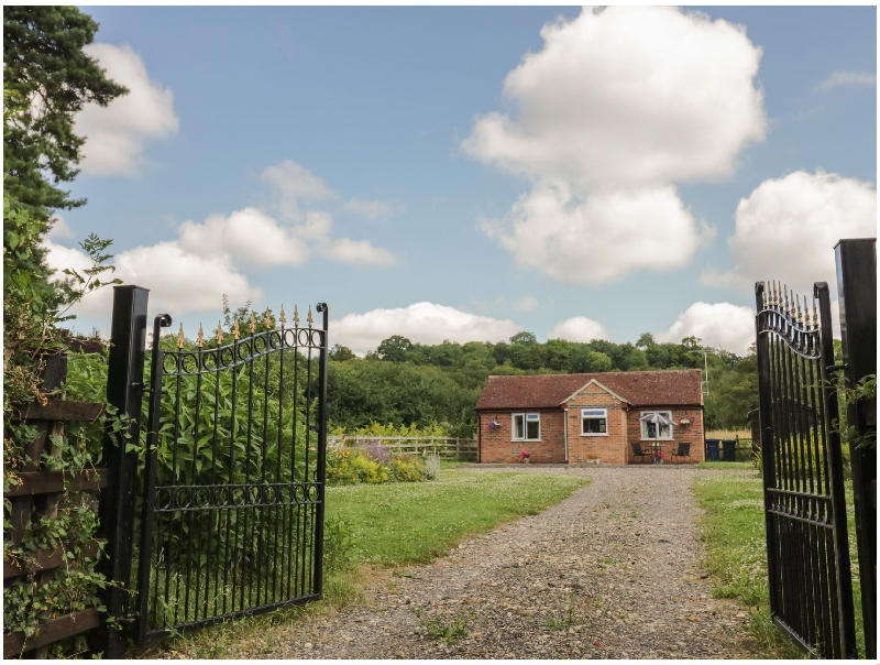 Gloucestershire Cottage Holidays - Click here for more about Lawn Cottage