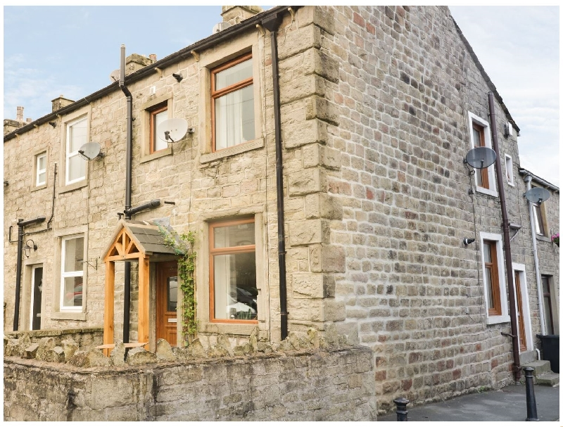 Lancashire Cottage Holidays - Click here for more about 15 Chapel Street