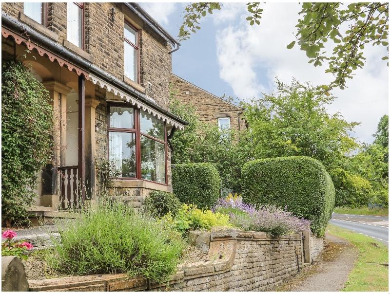 Derbyshire Cottage Holidays - Click here for more about Oak Dene