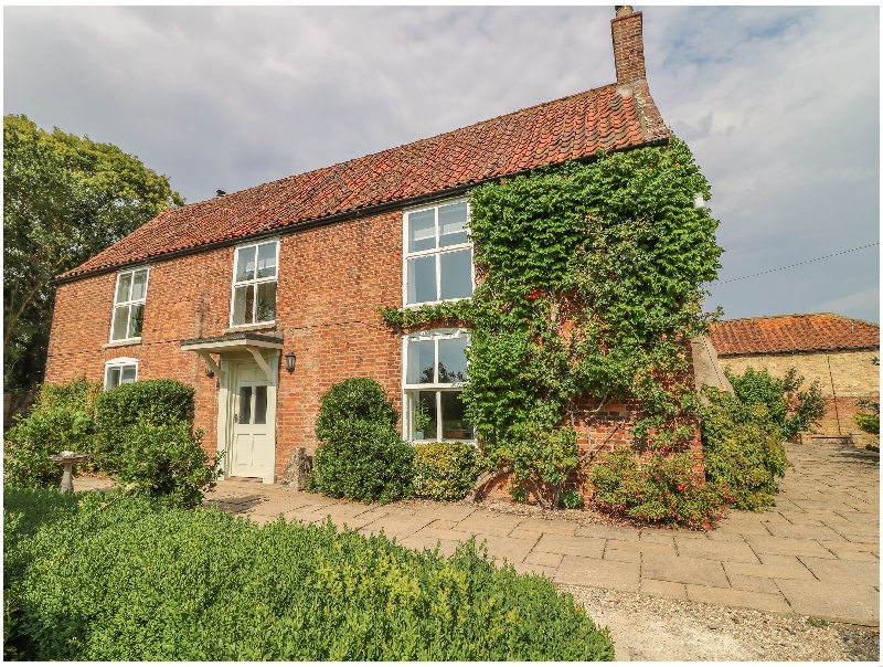 Lincolnshire Cottage Holidays - Click here for more about Hall Farm