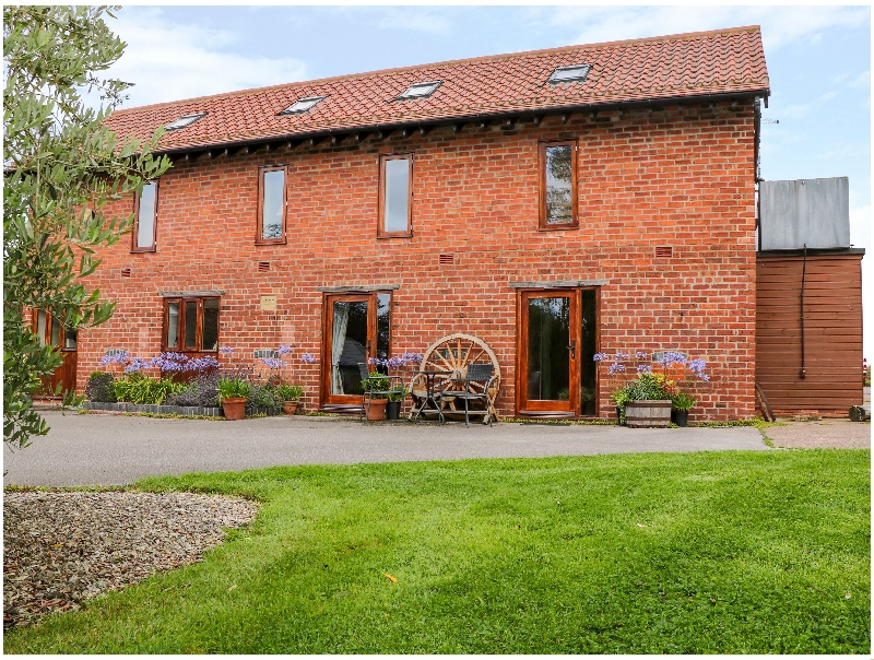 Nottinghamshire Cottage Holidays - Click here for more about The Granary