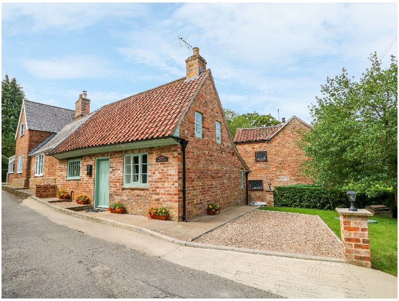 Lincolnshire Cottage Holidays - Click here for more about Lizzies Cottage