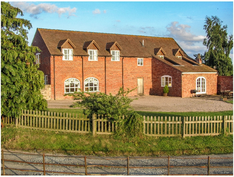 Worcestershire Cottage Holidays - Click here for more about Hunters Moon