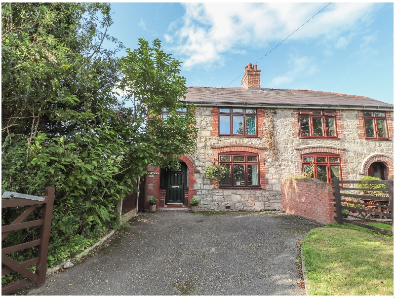Denbighshire Cottage Holidays - Click here for more about Bryn Derwen