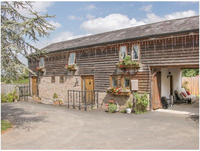 Herefordshire Cottage Holidays - Click here for more about Broxwood Barn