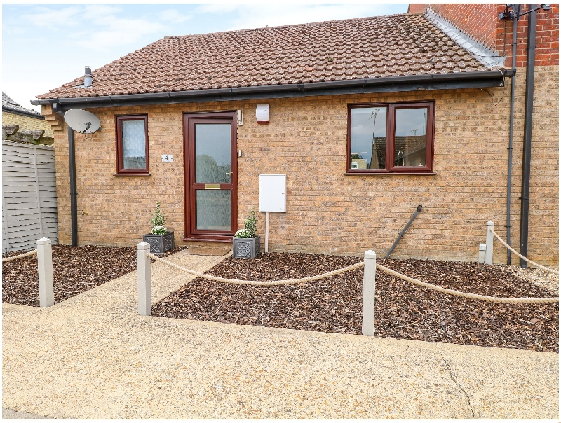 Cambridgeshire Cottage Holidays - Click here for more about Village Retreat