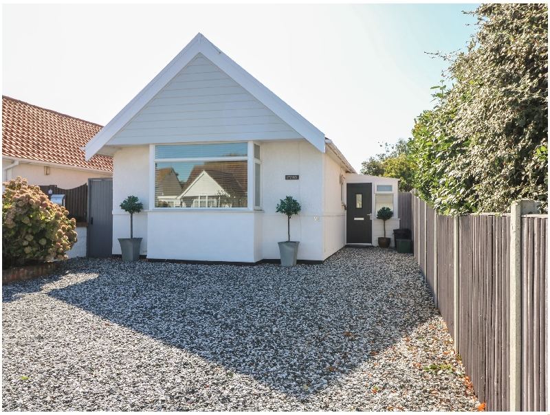 Essex Cottage Holidays - Click here for more about Little Haven