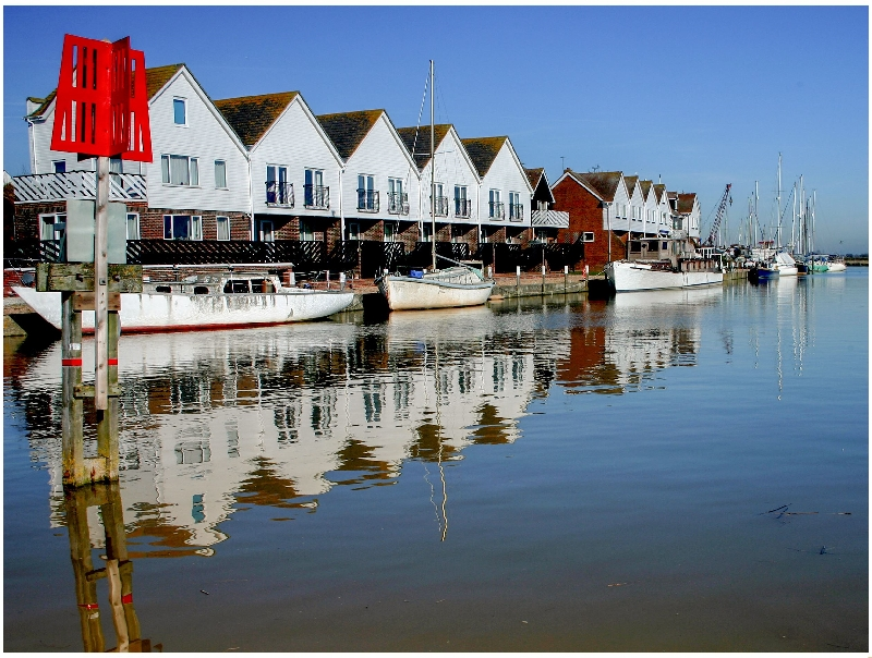 East Sussex Cottage Holidays - Click here for more about 16 The Boathouse